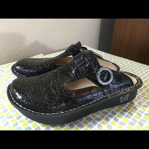 Alegria Shoes - Alegria by PG Life leather embossed Clogs